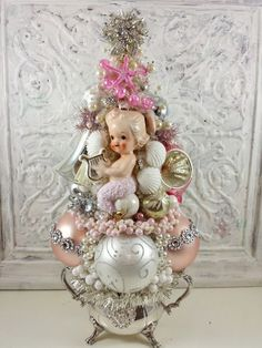 Ms Bingles Vintage Christmas: Rhinestone Mermaid, Rhinestone Santa, Rhinestone Tree, Oh my! Vintage Christmas Crafts, Shabby Chic Christmas, Vintage Ornaments, Retro Christmas, Xmas Crafts, Christmas Art, Navidad Diy, Bottle Brush Trees, Xmas Decorations