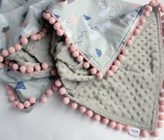 Personalized baby girl blanket, pom pom blanket, Swan baby bedding, Toddler blanket girl, Newborn girl blanket, New baby girl gift Diy Muslin Swaddle Blankets, Cute Blankets, Fleece Baby Blankets, Baby Girl Blankets, Baby Swaddle, Gifts For Newborn Girl, Baby Girl Gifts, Shower Bebe, Baby Shower