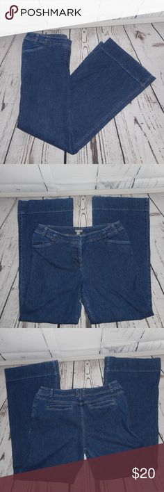 "J. Jill Blue Jeans The only flaw these jeans have is some pink coloring on the pockets. Other than that, they are in very good condition. They measure approximately 43.5"" in total length with an inseam measurement of approximately 33"". J. Jill Jeans"