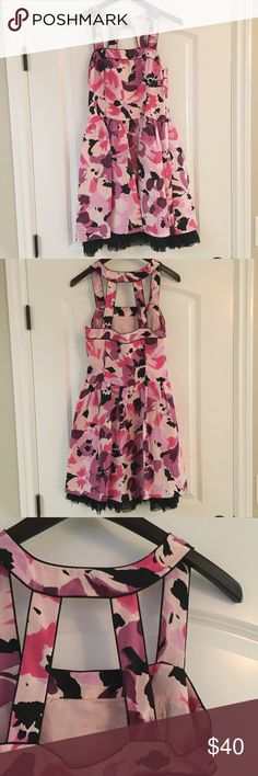 Kenzie Floral Dress Cute and girly Kenzie Floral dress! Perfect for spring and summer!!! Brand new with tags black lace lining the skirt portion of the dress. Kensie Dresses Midi