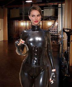Natalie Portman, Goth, Stars, Celebrities, Women, Fashion, Gothic, Moda, Celebs