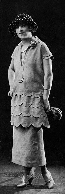 Skirt under dress: Les Modes (Paris) February 1924 Robe d'apres-midi par Doeuillet