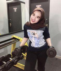 Hijab Jeans, Beautiful Hijab, Punk, Instagram, Style, Fashion, Swag, Moda, Fashion Styles