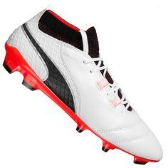 Mai, Cleats, Sports, Fashion, Football Boots, Hs Sports, Moda, Cleats Shoes, Fashion Styles