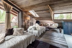 The House In Chalet Style From Zwd-Projects Studio 2 Colorful Interior Design, Interior Design Tips, Grey Pictures, Chalet Style, Inspiration Design, Colorado Homes, Home Decor Trends, Rustic Interiors, Shades Of Grey