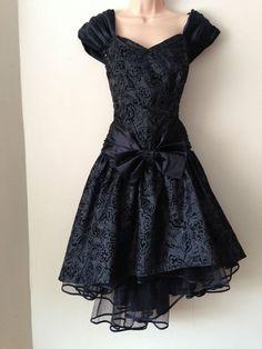 Vintage 80 s Retro Black Velvet Floral Flock Dipped Hem Prom Party Dress 12