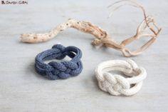 Bracelet tressé en tricotin laine d'agneau de par LaMauvaiseGraine, €9.90