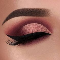 Image discovered by Find images and videos about makeup, make up and eyeliner on We Heart It - the app to get lost in what you love. Maroon Makeup, Gold Eye Makeup, Makeup Eye Looks, Eye Makeup Art, Cute Makeup, Prom Makeup, Kiss Makeup, Burgundy Makeup Look, Maroon Eye Shadow