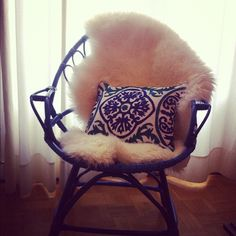 My new chair. Vintage sofa painted on blue + IKEA Ludde + Zara home cushion