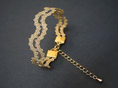 Pulsera de cordón de onda - - - Pulsera de encaje ondulado, minimalista y contemporáneo. Joyas sin peso apropiado para el desgaste diario y para