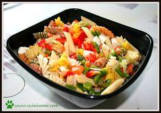 Una original y apetitosa ensalada de pasta, demostrando que las recetas sanas no están reñidas con el arte gastronómico ni el disfrute del paladar.