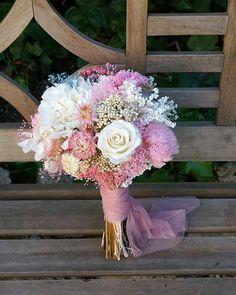 """9 curtidas, 2 comentários - Noivas Casamento Wedding (@opadesencalhei) no Instagram: """"Clássico """""""