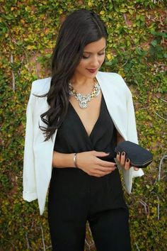 Casual christmas party outfit - What to Wear to the Theatre 28 Best Outfit Ideas for Women – Casual christmas party outfit Holiday Party Outfit, Holiday Outfits, Classy Party Outfit, Nye Outfits, Winter Outfits, Party Looks, Schwarzer Overall Outfit, Theatre Outfit, Dame Chic
