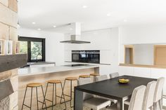 By Balnei & Colina Open Kitchen, Kitchen Dining, Sydney, Laundry Design, Kitchen Styling, Cool Kitchens, Kitchen Remodel, Living Spaces, Home Improvement
