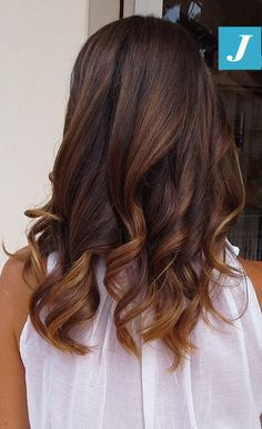 Semplicità di stile...lo stile firmato Degradé Joelle. #cdj #degradejoelle #tagliopuntearia #degradé #igers #naturalshades #hair #hairstyle #haircolour #haircut #longhair #ootd #hairfashion