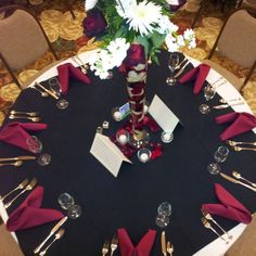 Black and scarlet table settings for the Hauber wedding! Black and scarlet table settings for the Hauber wedding! Burgendy Wedding, Maroon Wedding, Floral Wedding, Our Wedding, Dream Wedding, Wedding Black, Blue Wedding Receptions, Wedding Themes, Wedding Colors