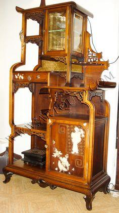Google Image Result for http://iammodernman.files.wordpress.com/2011/04/29902-1420145916-1-1600m.jpg  Antique Japanese furniture
