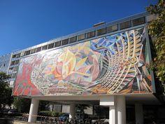 Halle, Wandbild von Josep Renau