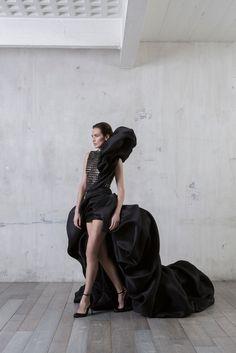 - Stephane Rolland Asymmetrical tank top dress in black braided leather and blown gazar