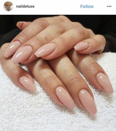 On average, the finger nails grow from 3 to millimeters per month. If it is difficult to change their growth rate, however, it is possible to cheat on their appearance and length through false nails. Neutral Nails, Nude Nails, Coffin Nails, Hair And Nails, My Nails, Long Nails, Nagel Gel, Simple Nails, Nails Inspiration
