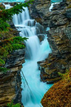 athabasca falls close up / 500px