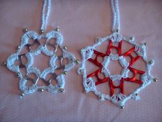 Crocheted Christmas tree ornaments made with cotton thread, beads & soda can tabs (photo only) Crochet Christmas Decorations, Crochet Christmas Ornaments, Crochet Snowflakes, Christmas Crafts, Xmas, Soda Tab Crafts, Can Tab Crafts, Bottle Cap Crafts, Tape Crafts