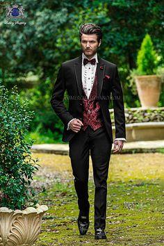 Traje de novio italiano a medida, en tejido new performance negro, chaleco a contraste brocado rojo modelo 1061 Ottavio Nuccio Gala colección Fashion 2015.