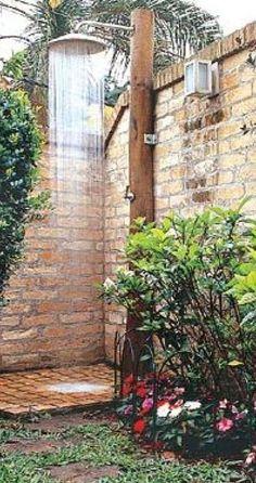 Cocinas con paredes de ladrillos en 2019 casa giu for Jardineria al aire libre casa pendiente