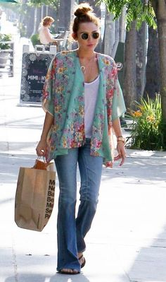 Ray-ban round sunglasses & Kimono tops. love it!