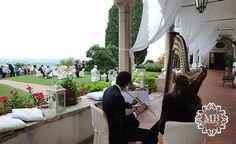 Duo di #flauto a traverso e #arpa accompagnano l'aperitivo in giardino.#wedding #weddingideas #music