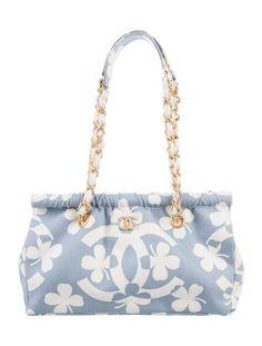 Channel Bags, Expensive Purses, Chanel Canvas, Frame Bag, Purse Styles, Kpop Fashion Outfits, Designer Bags, Hana, Shoulder Pads