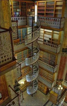 Spiral staircase at the Law Library in Des Moines, Iowa