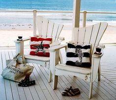 NAVY   Inspiração para decoração de verão no estilo marinheiro com apenas um elemento decorativo: almofada! #inspiracao #decoracao #verao #SpenglerDecor #ncd