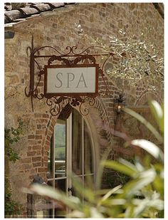Is the work week already becoming too much? Come take a break and relax with us at V Spa. We have everything from manicures to full body massage packages. Spas, Spa Design, Salon Design, Treatment Rooms, Spa Treatments, Beauty Spa, Beauty Room, Spa Plan, Deco Zen
