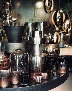 Inspiratie – L4 Interieur V60 Coffee, Coffee Maker, Kitchen Appliances, Interior, Modern, Accessories, Home, Flat, Style