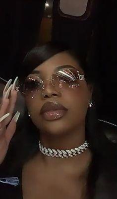 Afro, Sunglasses For Your Face Shape, Prada, Ray Bans, Pretty Black Girls, Brown Skin Girls, Looks Black, Black Girl Aesthetic, Chanel