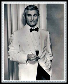 Jeff Chandler                                                       …