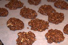 No Bake Cookies (Chocolate Oatmeal Cookies)