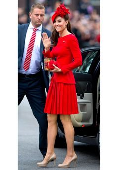 Queen's Diamond Jubilee: Duchess of Cambridge's Alexander McQueen dress designed by Sarah Burton - Telegraph