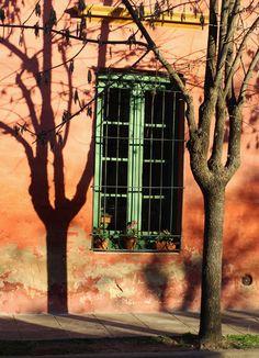 San Antonio de Areco, Buenos Aires. Window Art, San Antonio, Colonial, Perspective, Beautiful Places, Windows, Pictures, Beauty, Morning Light