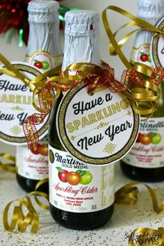 """Have a Sparkling New Year"" bottle tag for mini sparkling ciders or champagne from Salt and Pepper Moms"