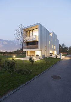 Baubau by Stocker Lee Architetti #architeture #pin_it @mundodascasas Veja mais aqui(See more here) www.mundodascasas.com.br