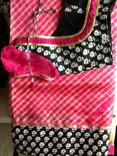 Black Saree Blouse, Saree Blouse Neck Designs, Simple Blouse Designs, Saree Blouse Patterns, Kurti Neck Designs, Blouse Desings, Indian Designer Wear, Sarees, Blouses