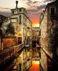 Tramonto a #Venezia, Italy - Italia - Travel - Europe - Europa - turismo - viajes