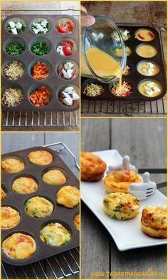 Mini-frittatas........lekker als hapje bij de borrel! Klop 7 eieren en 2 eetlepels melk met wat zout en peper. Vet een muffinvorm voor 12 stuks in. Voeg je favoriete vulling toe, bijvoorbeeld doperwten met verse munt, geitenkaas, gebakken champignons, bacon, geraspte kaas, kerstomaatjes of paprika en verdeel hierna het eimengsel over de holten. Bak in 15-20 minuten in de oven op 180°C, laat ze iets afkoelen voor je ze uit de vorm haalt.