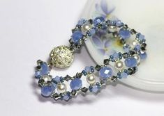 bead weaving bracelet tute: crystals  pearls (lots of possibilities for variations)