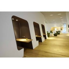 ' This Airport Design was created by Erich Gassmann and Tina Aßmann. The VIP WING Lounge at the Munich Airport was created using local materials such as felt, leather, and broad oak planks Lounge Design, Commercial Design, Commercial Interiors, Office Interior Design, Office Interiors, Workspace Design, Airport Vip Lounge, Office Lounge, Sala Vip