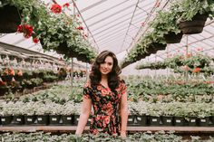 Senior picture outfit ideas and inspiration — makayla madden Senior Picture Outfits, Senior Portraits, Senior Pictures, Senior Posing, Senior Session, Senior Pics, Senior Year, Growing Plants Indoors, Grow Lights For Plants