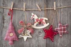 Christmas decoration over wooden background Cottage Christmas, Christmas Mood, Noel Christmas, Rustic Christmas, All Things Christmas, Handmade Christmas, Decoration Christmas, Xmas Decorations, Christmas Activities