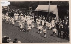 Radcliffe, Sunday School Procession, Real photo, old postcard, unposted 1930  ie.picclick.com